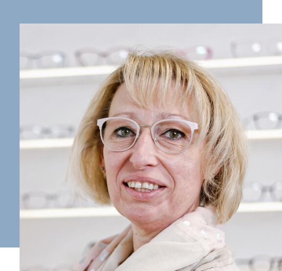 Nicole Madeheim im Laden von Weitblick